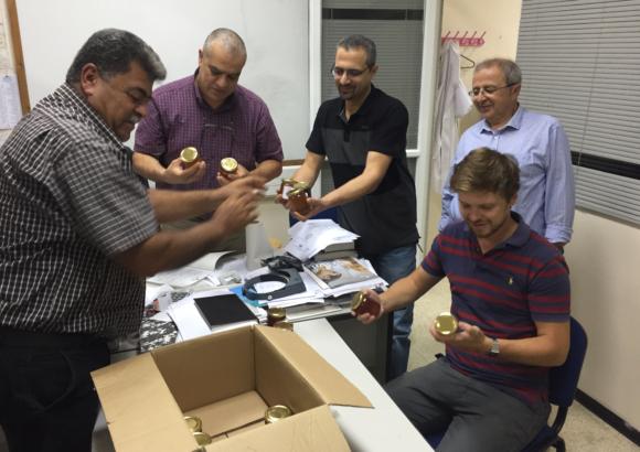 Consegna campioni per analisi Università di Bir Zeit